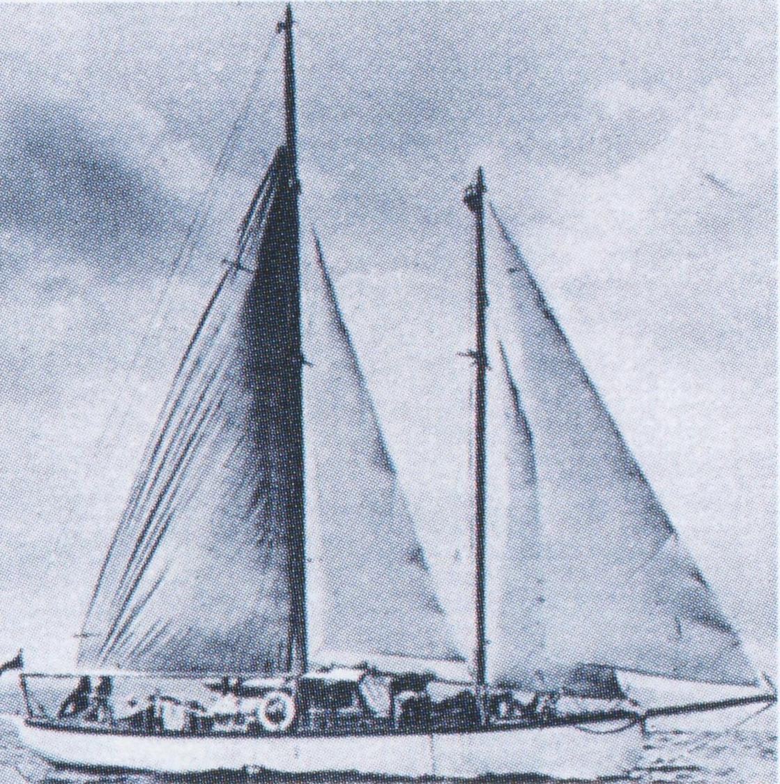 lucette-seventies-under-sail